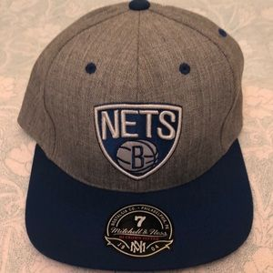 New York nets basketball hat fitted, size 7.